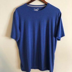 Under Armour L loose heat gear t shirt royal blue